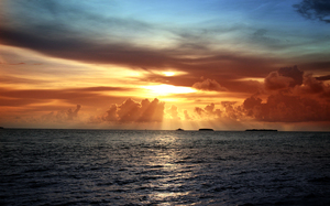 Sunset in Paynes Bay